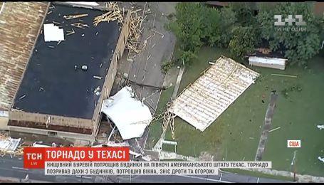 На севере штата Техас прокатился сокрушительный торнадо