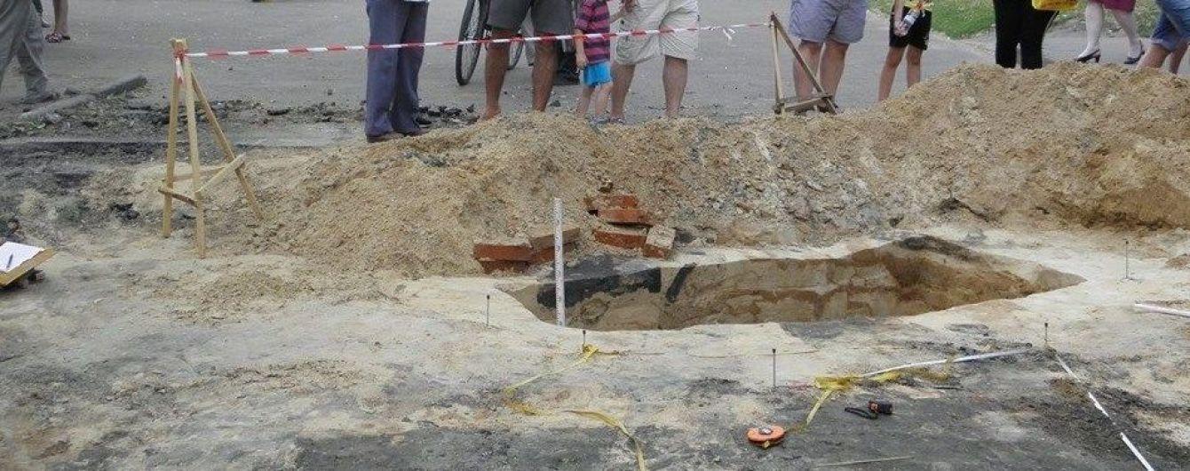 В центре Чернигова археологи обнаружили древнерусское захоронение и древние здания