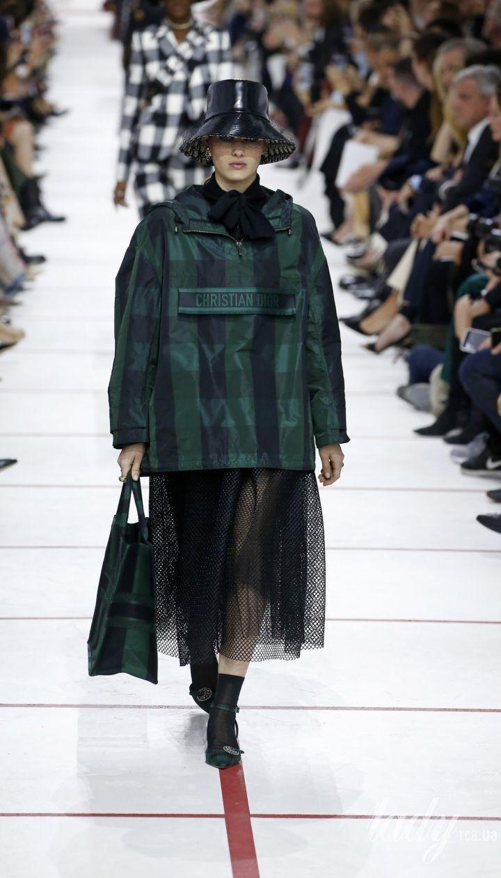 Коллекция Christian Dior прет-а-порте сезона осень-зима 2019-2020 @ East News