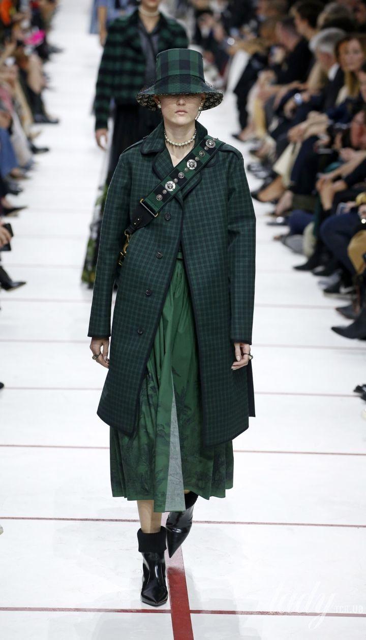Коллекция Christian Dior прет-а-порте сезона осень-зима 2019-2020