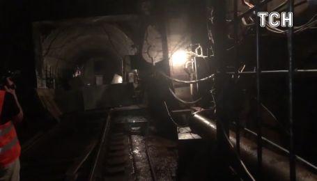 Як виглядає будівництво метро на Виноградар