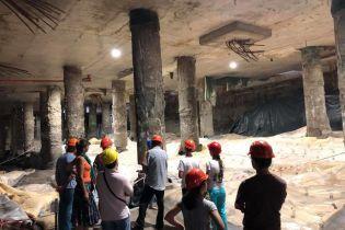 Угроза катастрофы: печальноизвестный ТРЦ на Почтовой площади может упасть и разрушить станцию метро