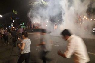 Проти протестувальників у Тбілісі застосували сльозогінний газ і відкрили вогонь гумовими кулями – ЗМІ