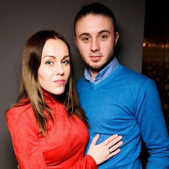 Alyosha чуттєво привітала свого чоловіка з днем народження і показала рідкісні сімейні фото