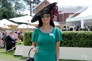 В элегантном платье и в красивой шляпе: очаровательная Деми Мур на Royal Ascot
