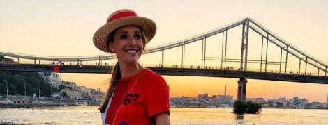 В стильному літньому луці: Катя Осадча позувала на яхті