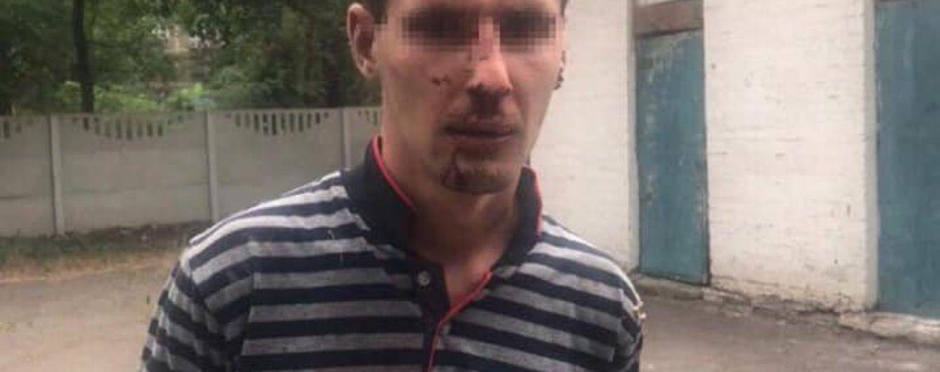 Угрозами завел за сарай и изнасиловал 10-летнюю девочку. Мариупольского педофила оставили за решеткой