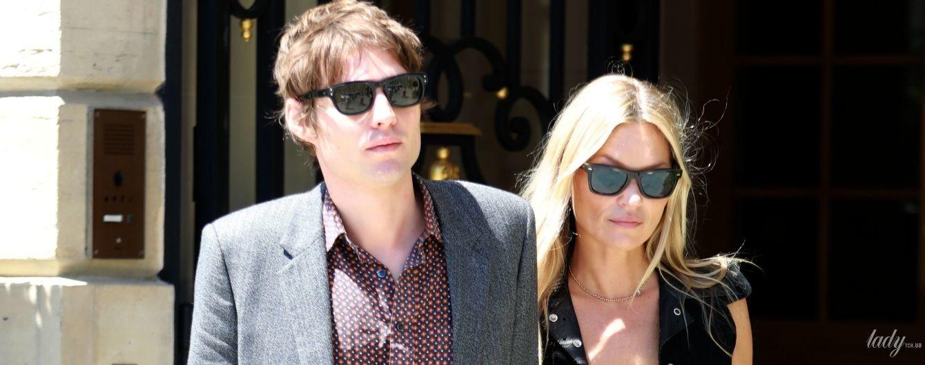 Хорошо смотрятся: стильная Кейт Мосс с бойфрендом приехала в Париж
