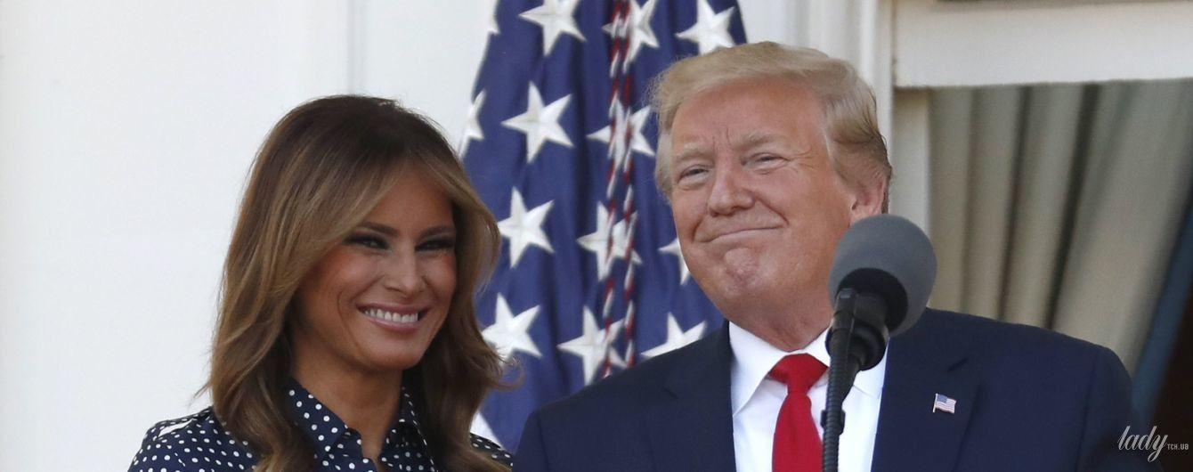 В платье в горох и белых лодочках: изящная Мелания Трамп на пикнике
