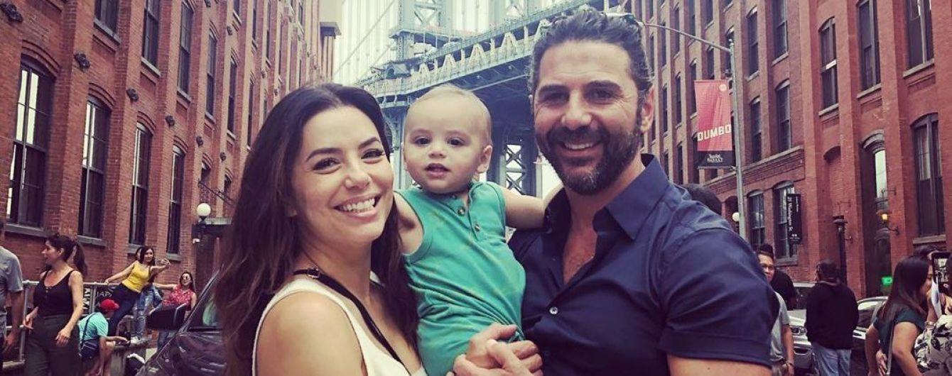 Єва Лонгорія влаштувала подвійне свято на честь хрещення однорічного сина Сантьяго