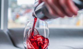 Культура потребления растет, а производство падает: Украина установила исторический рекорд по импорту вина