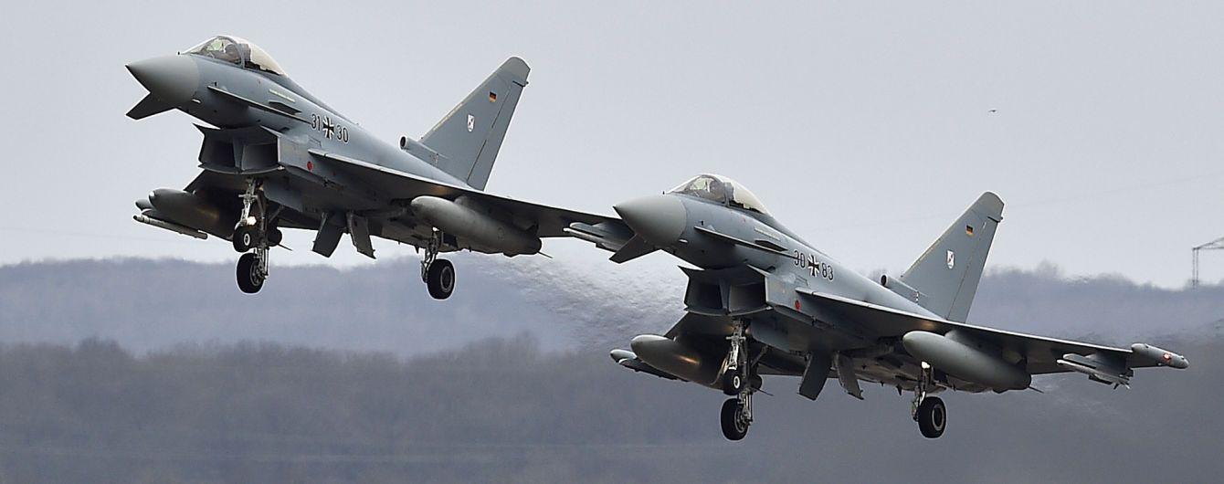 Столкновение истребителей в Германии: один из пилотов погиб в аварии – СМИ