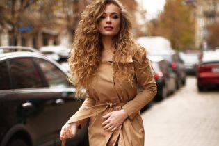 Співачка Яна Соломко потрапила в аферу, через яку її не випустили з країни