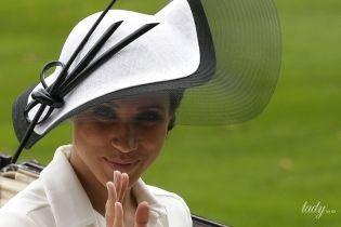И здесь не угодил: герцогиня Сассекская видоизменила помолвочное кольцо, подаренное принцем Гарри