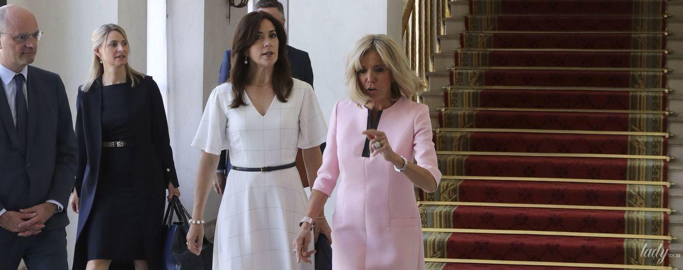 Обе красивые: кронпринцесса Мэри и Брижит Макрон встретились в Елисейском дворце