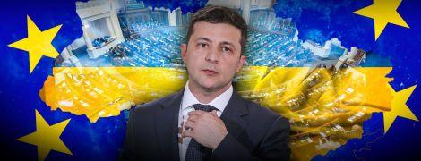 Зеленський вже місяць як президент — і Україна досі тримається