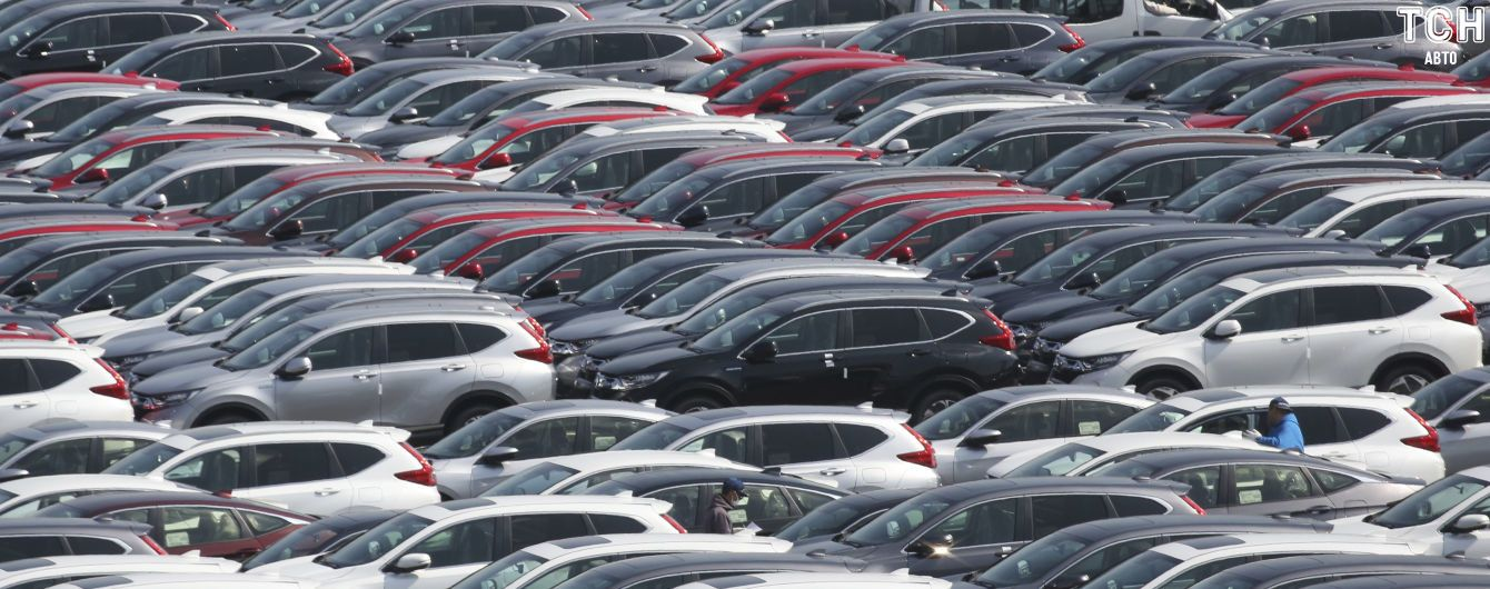 В Украине стали покупать больше новых машин. Авторейтинг за июль