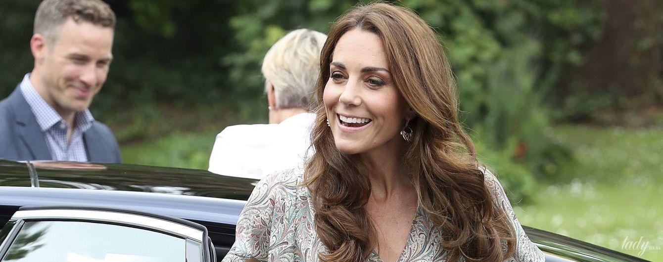 В романтичном платье и в эспадрильях: новый выход герцогини Кембриджской