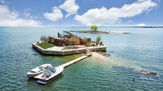 У Нью-Йорку продається незвичайний будинок-острів