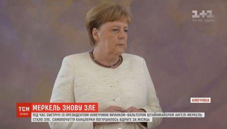 Самочувствие канцлера Ангелы Меркель ухудшилось второй раз за месяц