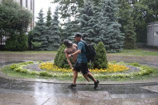 Непогода убила, искалечила и затопила. На Украину налетели ливни и сильные шквалы