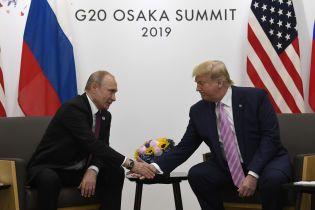 Самый старший из президентов США раскритиковал Трампа за шутки с Путиным