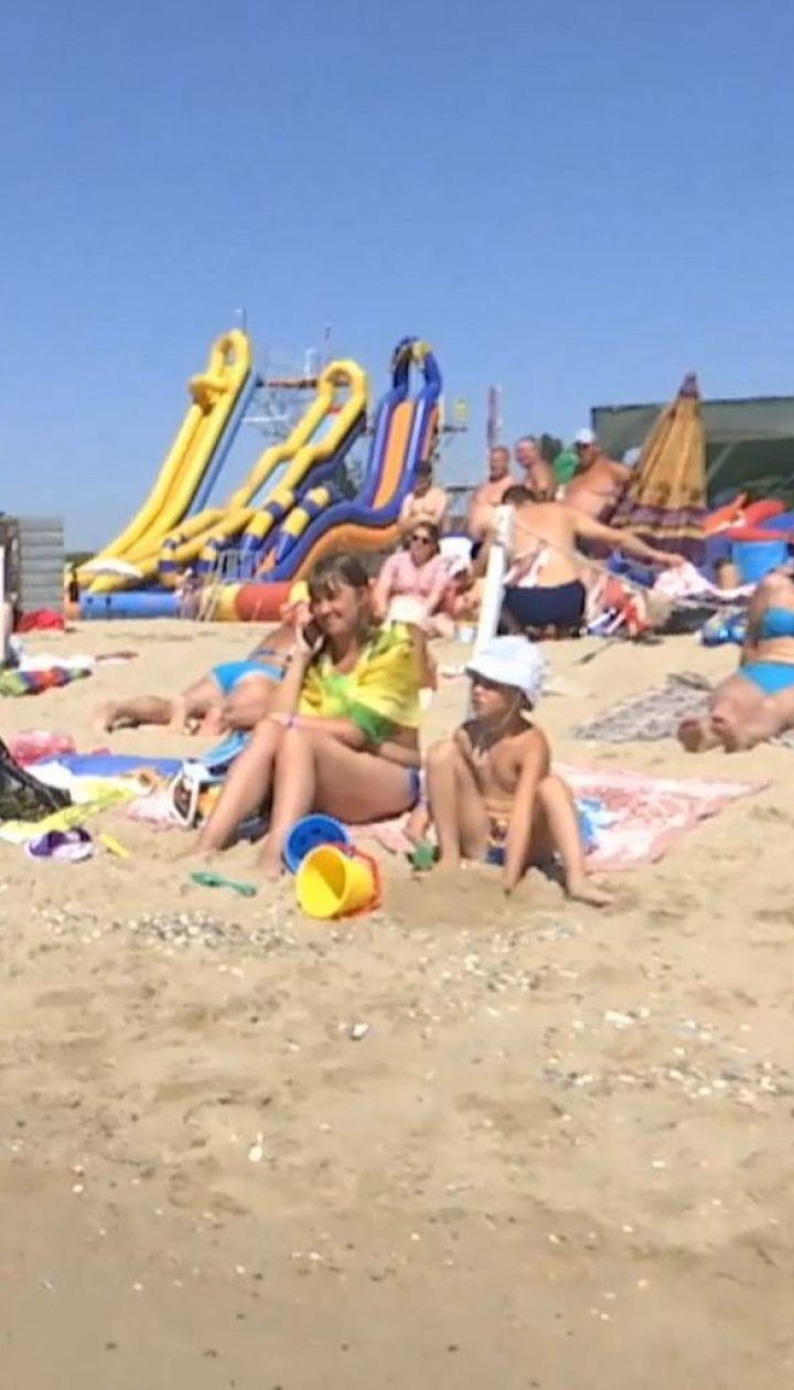 ТСН исследует сервис, цены и дороги в популярных морских курортах Украины
