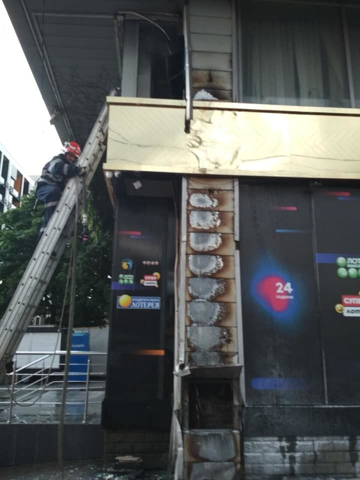 пожежа в Інтервал Плаза в Києві_2