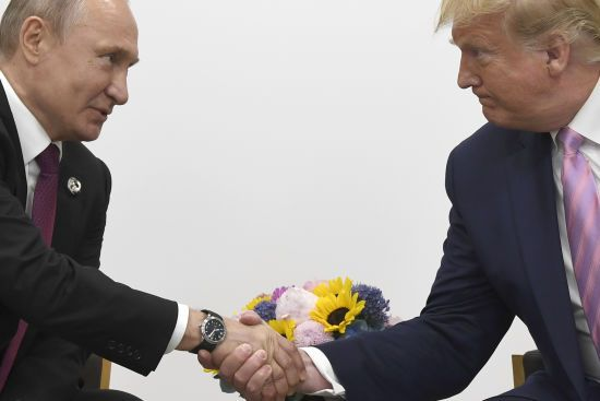 Трамп порушив питання про звільнення українських моряків на зустрічі з Путіним – Пєсков