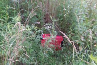 Чемодан с мертвым ребенком в Черновцах. Мальчика выбросила 22-летняя мать