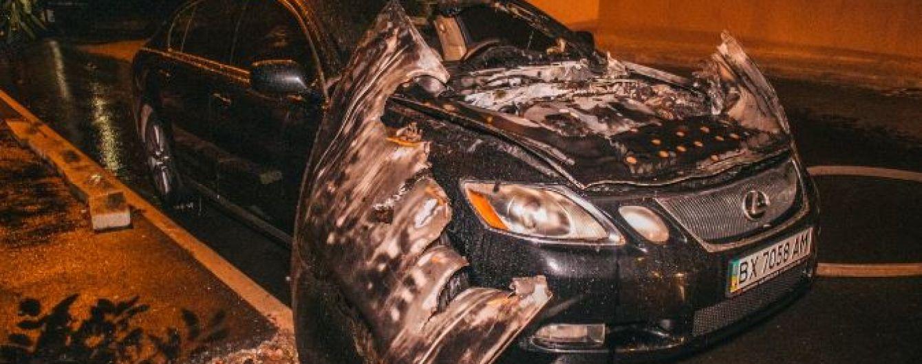 В Киеве взорвался припаркованный Lexus