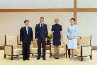 Обидві елегантні: Бріжит Макрон зустрілася з імператрицею Масако