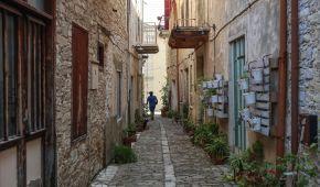 ТСН узнала, почему выгоднее вкладывать деньги в недвижимость в Турции и на Кипре, чем в Украине: советы