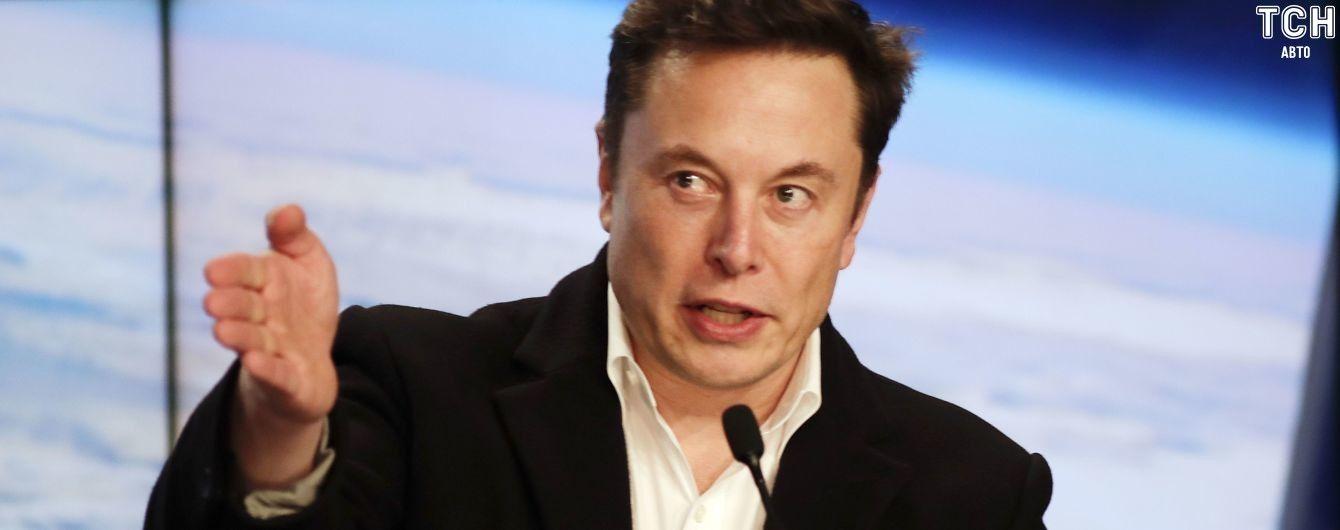 Билл Гейтс признался, что приобрел электрокар Porshe, а не Tesla. Маск остро ответил