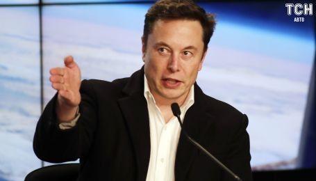 Білл Гейтс зізнався, що придбав електрокар Porshe, а не Tesla. Маск гостро відповів