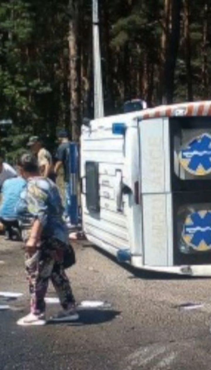 Швидка зіштовхнулась із вантажівкою на Волині: є загиблі