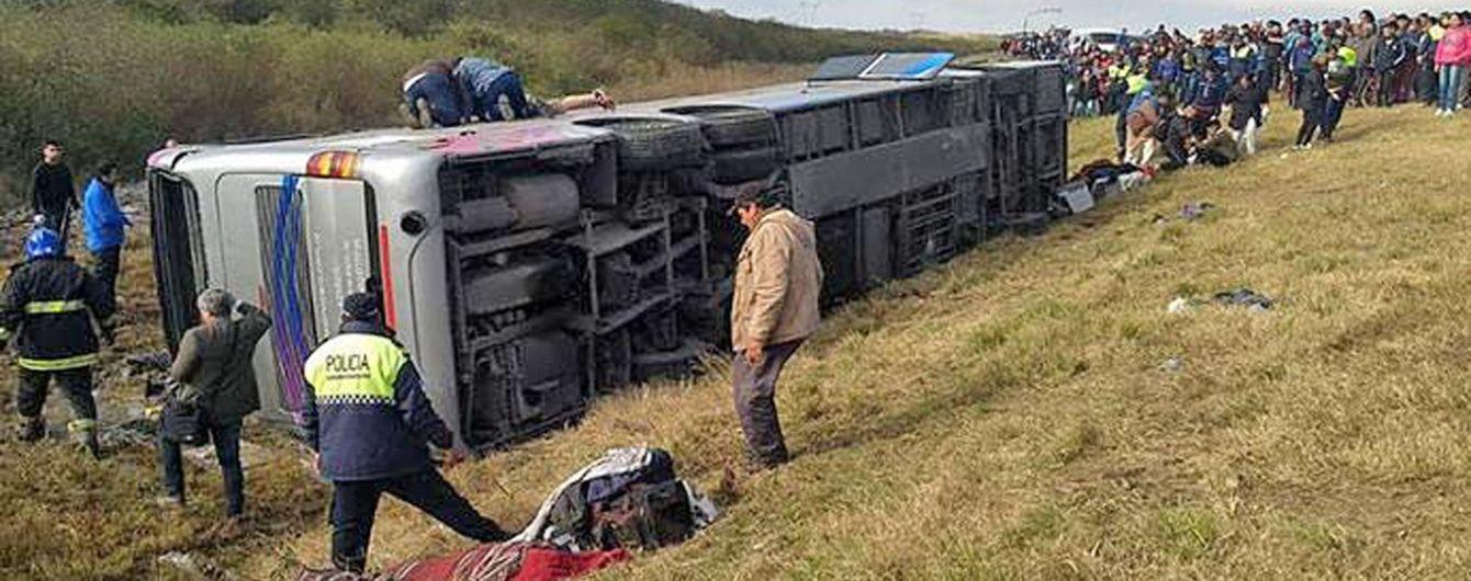 В Аргентине в аварии автобуса погибли не менее 15 человек