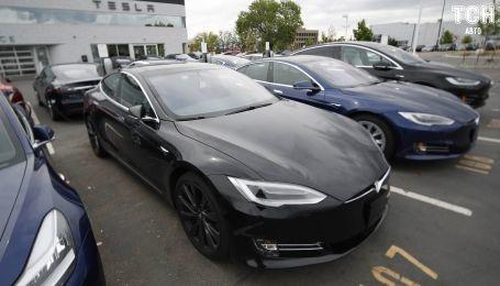 Илон Маск увеличил запас хода у Tesla Model S