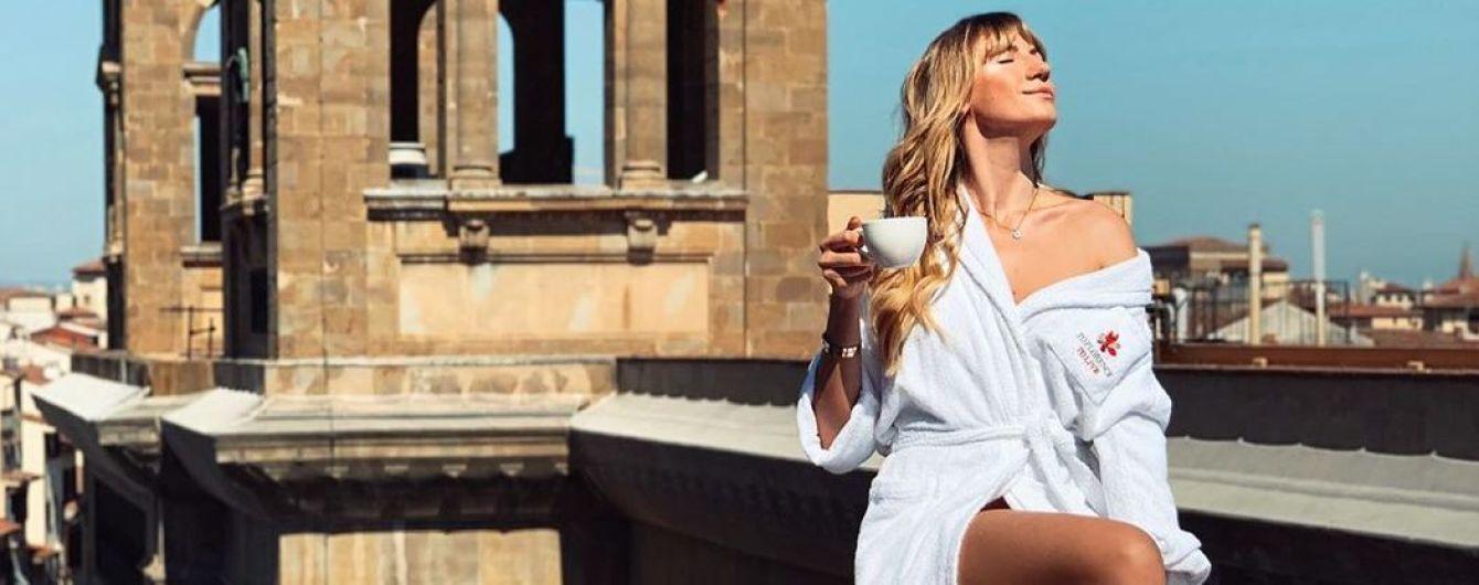 Светит стройными ногами: Леся Никитюк поделилась снимками с отдыха в Италии