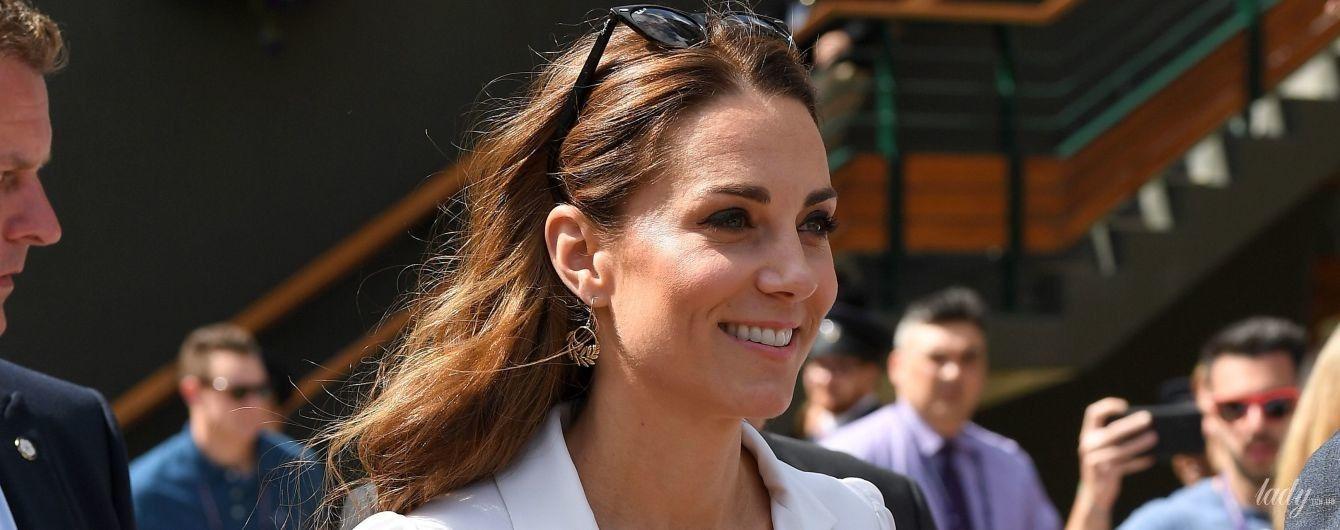 Красотка в белом платье: герцогиня Кембриджская прибыла на Уимблдон