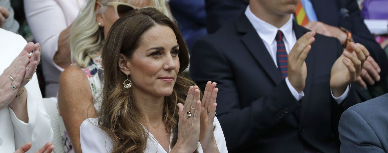 Элегантная Кейт Миддлтон в белом платье посетила Уимблдонский турнир