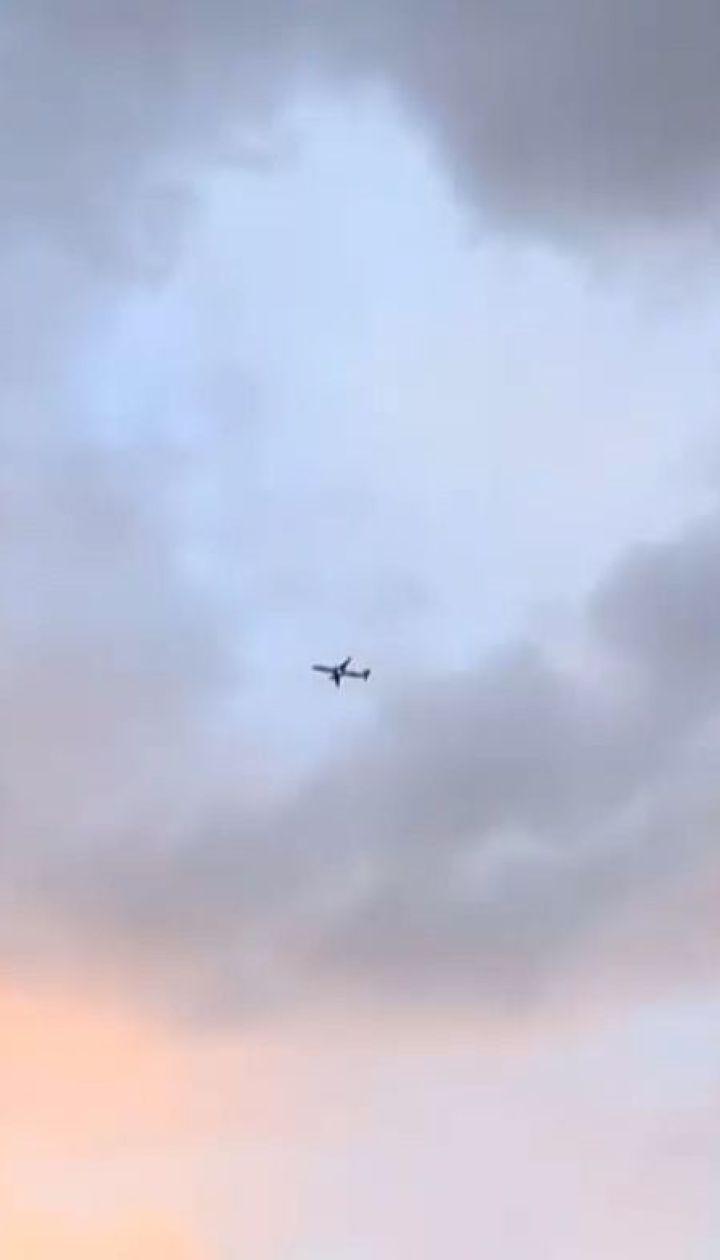 Во двор лондонца с самолета упало человеческое тело