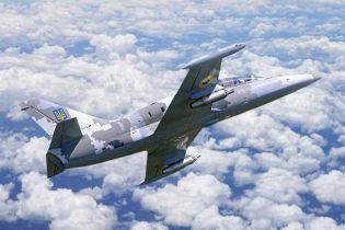 На Харьковщине упал учебный военный самолет