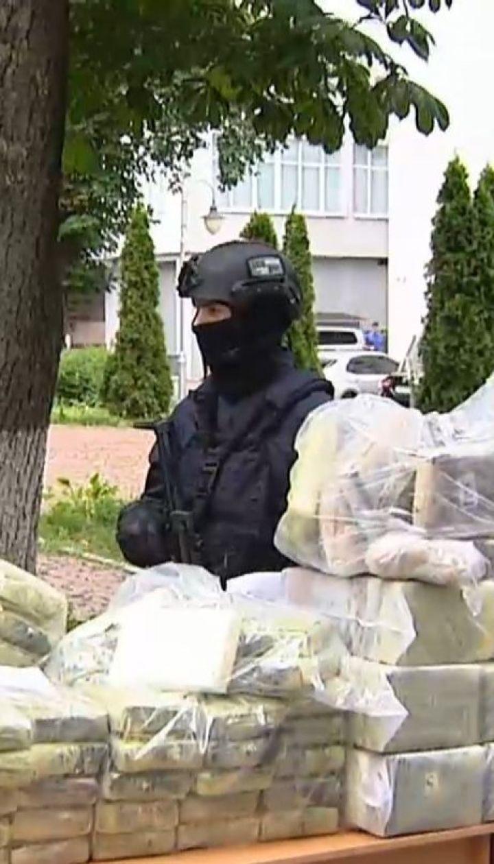 У середмісті столиці правоохоронці вилучили 400 кілограмів кокаїну