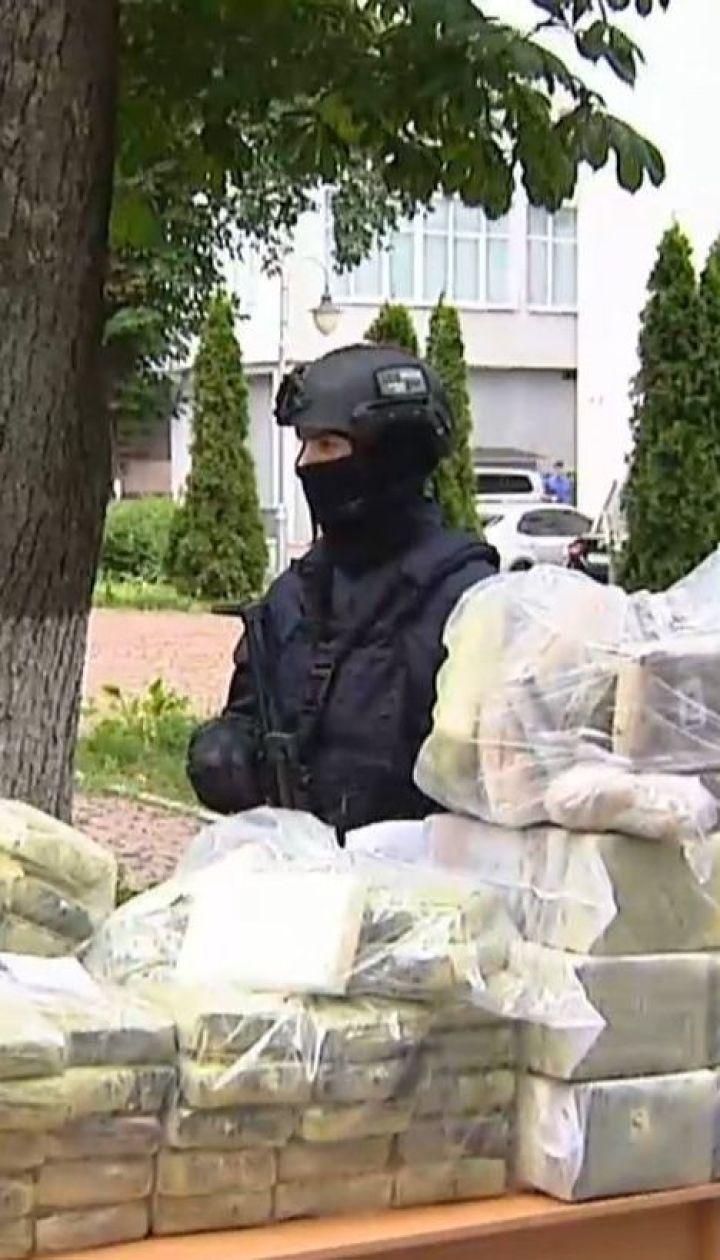 В центре столицы правоохранители изъяли 400 килограммов кокаина