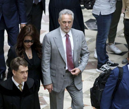 Компромат на Байдена та Мюллера адвокату Трампа Джуліані передали юристи українського олігарха Фірташа – Time