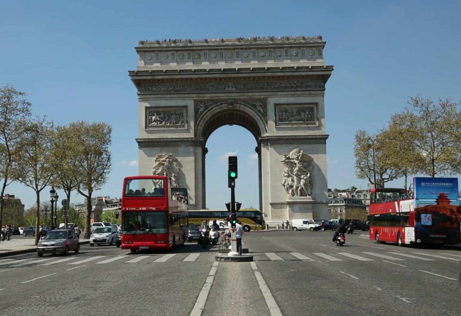 Париж  туристические автобусы