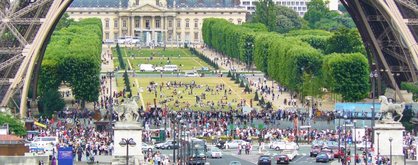 В Париже уберут туристические автобусы