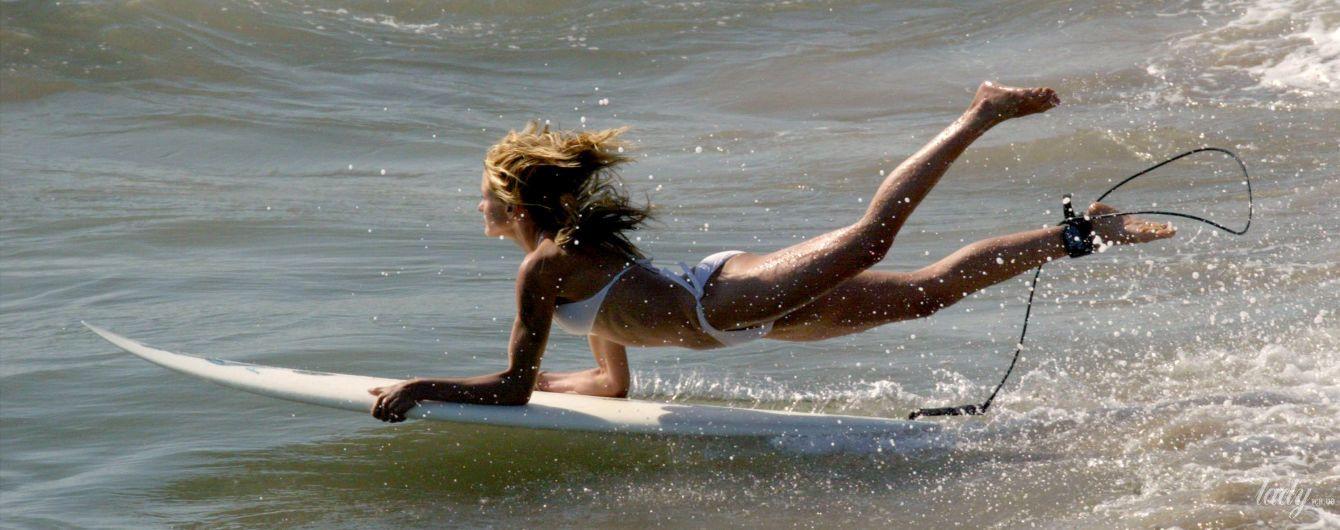 Лови волну: звезды, которые любят серфинг