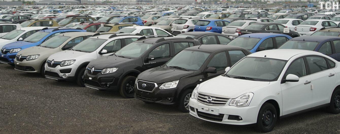 Выяснилось, какие новые машины украинцы чаще всего покупали за семь месяцев 2019 года